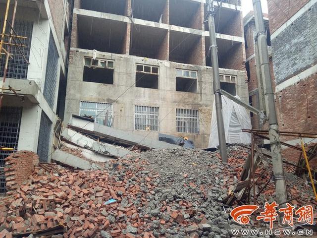 """为""""拆迁""""村民一月建5层,不料房子瞬间成废墟,房屋结构安全要重视!"""