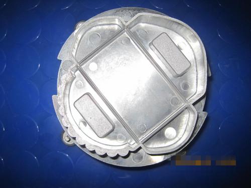 铝合压铸件气孔产生的因素